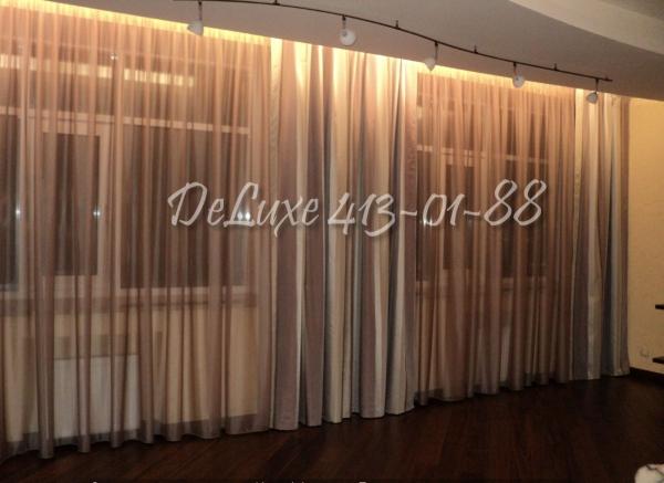 Прямые полосатые шторы на большое окно